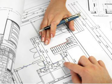 Изготавливаем ограждения, двери и перегородки для душевых конструкций и саун из безопасного стекла